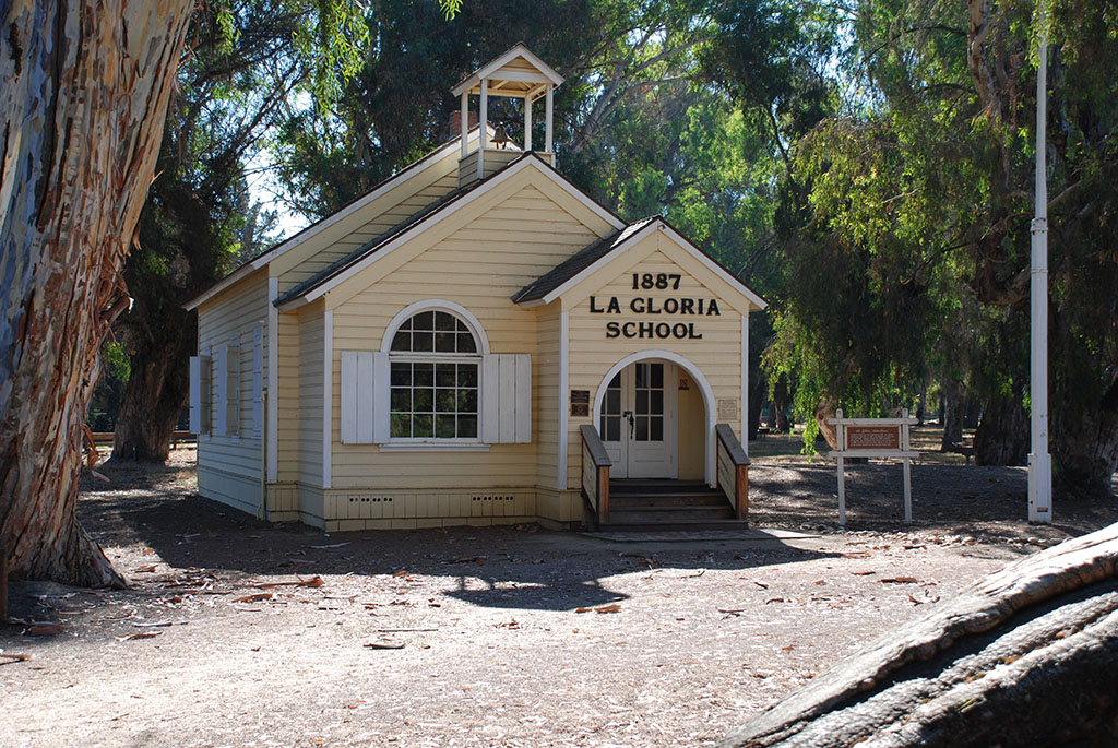 The La Gloria School House
